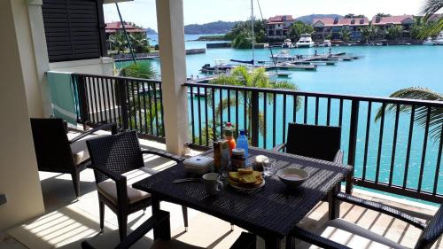 Eden Island luxury apartment sea view,