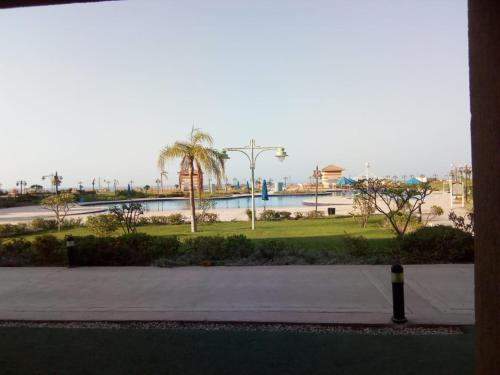 Apartment with Sea View in Porto Sokhna Water Front Families Only, 'Ataqah