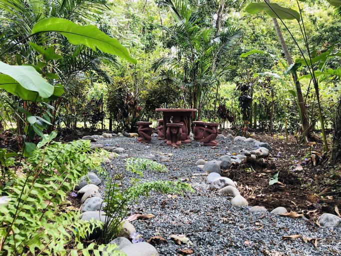 El Jardin de Playa Negra, Talamanca