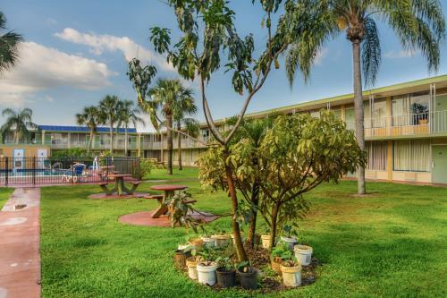 Studio 6-Vero Beach, FL, Indian River