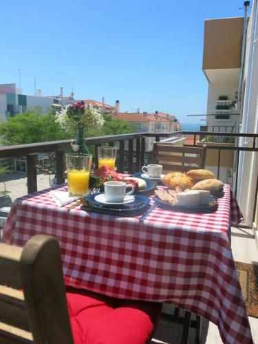 Apartment With 4 Bedrooms in Nazaré, With Wonderful sea View, Balcony and Wifi - 100 m From the Beach, Nazaré