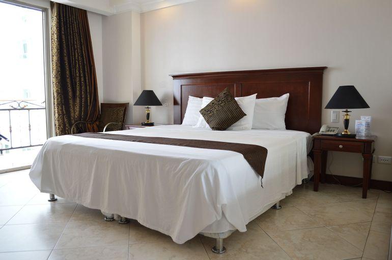 Valentino's Hotel, Mabalacat