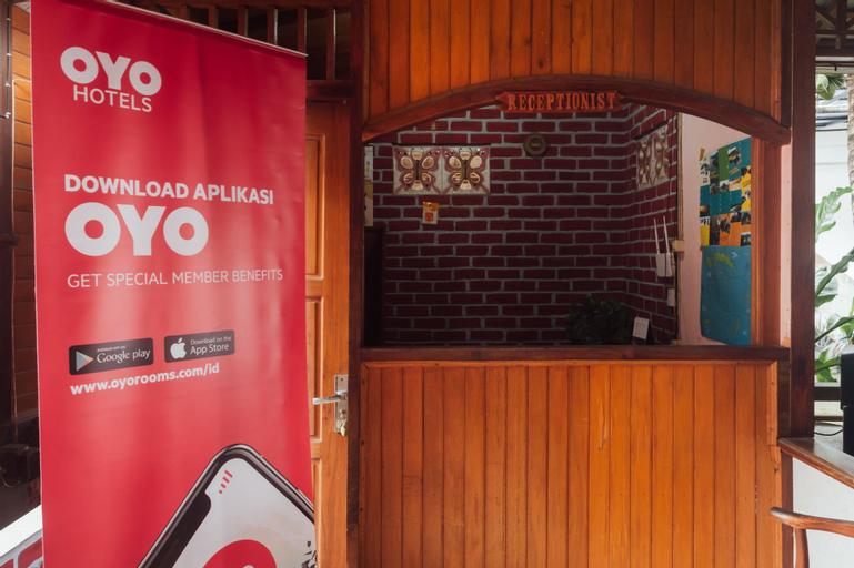 OYO 1300 Crecia Guest House, Ambon