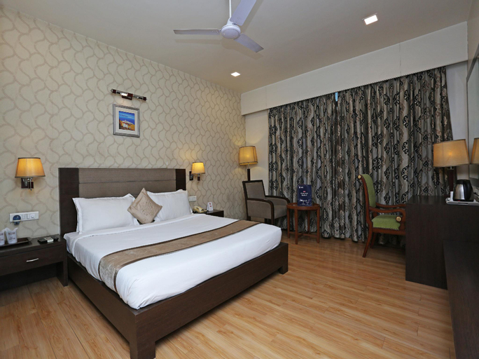 OYO 2827 Hotel Aditya, Raipur