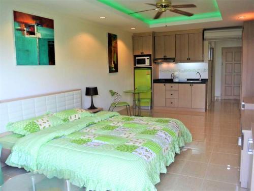 Jomtien Beach Condo S2, Pattaya
