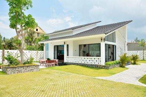 Villa Kim Yen Lagi, La Gi