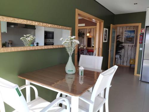 Wherry Green Guest House (PRAIA DA BARRA)❤️, Ílhavo