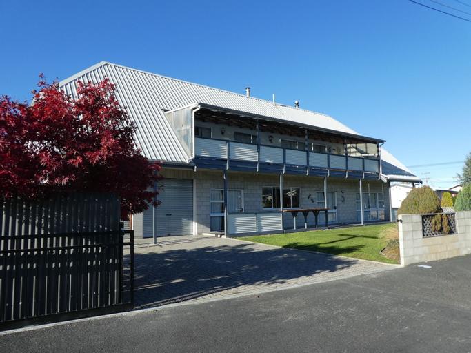 Mackenzie Lodge, Mackenzie