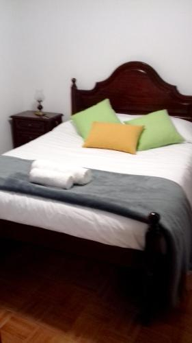 Studio in Ribeira Brava with wonderful sea view and WiFi 800 m from the beach, Ribeira Brava