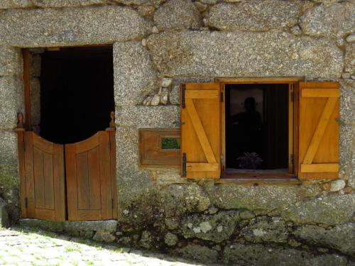 Restored, rustic and rural mini cottage in typical Portuguese village, Lamego