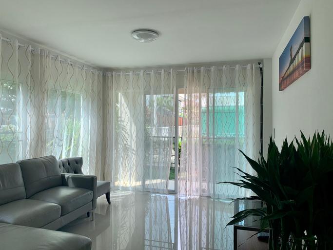 Wide and Perfect Jinbei Villa 210, Doi Saket
