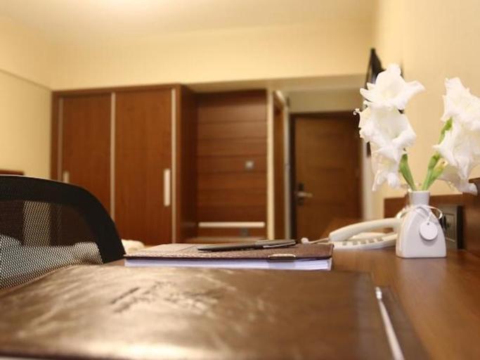 Çamlıçeşme Otel, Merkez