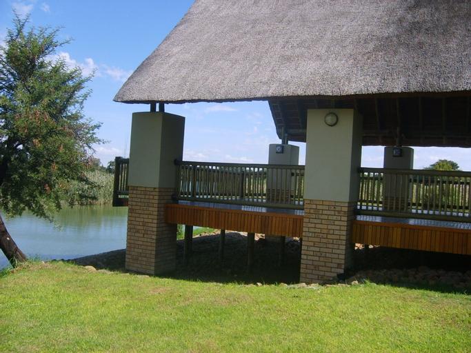 Cookes Lake Resort, Ngaka Modiri Molema
