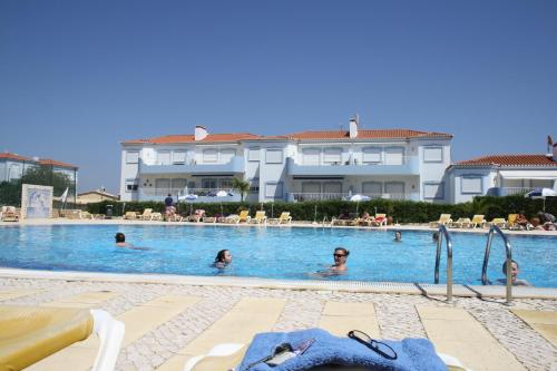 Luxury 4 bed villa with pool Oasis Parque, Alvor AT16, Portimão