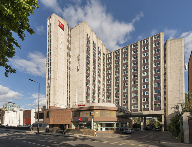 Ibis London Earls Court Hotel, London