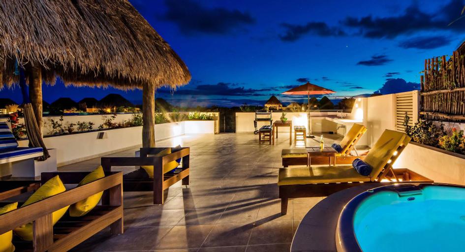 Villa KA AX 3 BDRM PTH rooftop sleeps 7, Cozumel