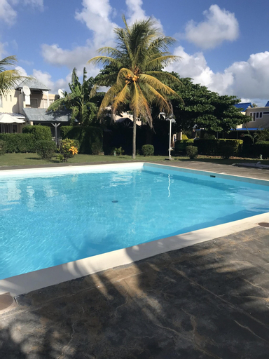 Studio in Grand Baie, With Shared Pool, Furnished Terrace and Wifi - 100 m From the Beach,