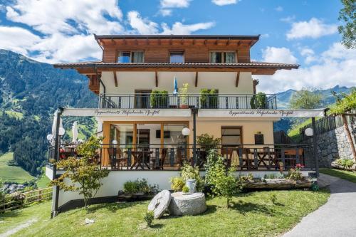Hofschenke Pfeiftal - Bergwiese, Bolzano