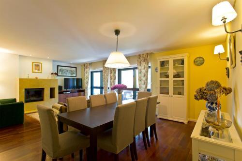 Own Places Boavista Apartment, Porto