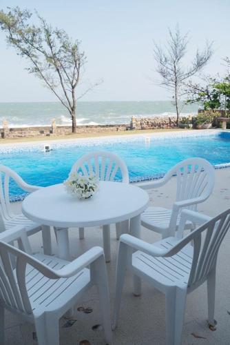 Chao Samran Private pool Villa By Benjamas Home., Ban Laem