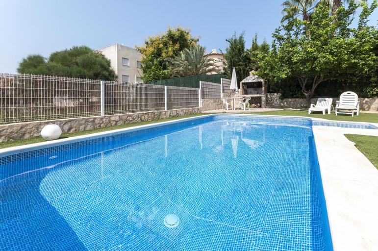 Melisa - Chalet With Shared Pool in Oliva Nova, Valencia