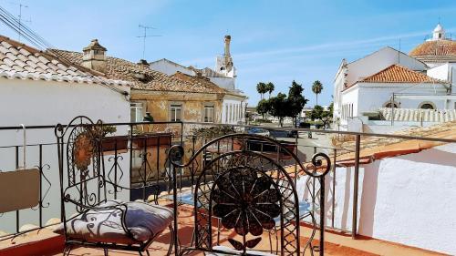 Happy Terrace Downtown Tiny House 100% Portuguese, Faro
