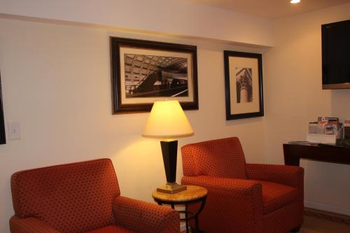 COMFY Lower Level 2 Bdrm Home, District of Columbia