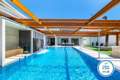 WHome   Hideaway Luxury Family Villa, Ourém