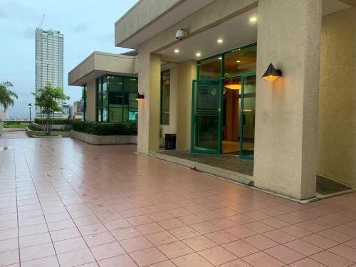 Robinson Residenz Connected to Robinson Mall, Manila
