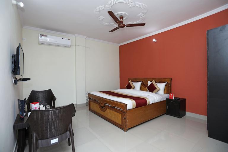 OYO 10877 Hotel R K Residency, Gurgaon