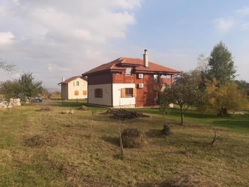 Luksuzna drvena kuca-Brvnara Prijevor, Čačak