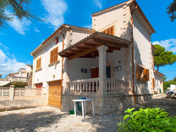 Villa alberti, Baleares