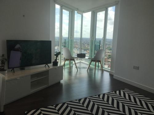 GRAND SERVICED APARTMENTS*****, London