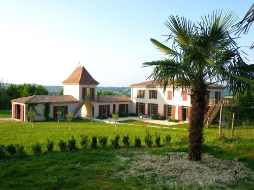 Villa with 8 bedrooms in VilleneuvesurLot with private pool furnished garden and WiFi, Lot-et-Garonne