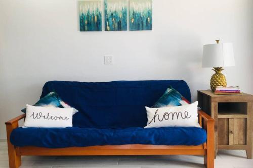 Casa Del Sol Studio Apartment 10 Minutes to Elbow Beach,
