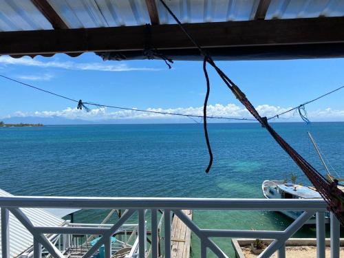 Sea View Blue Apartments, Roatán