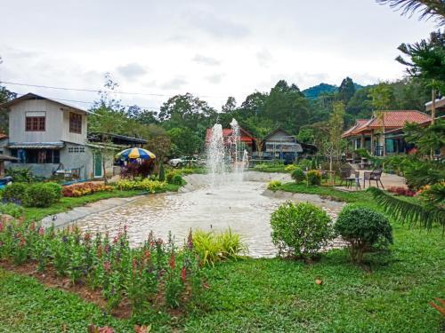Baannoonnorn บ้านหนุนนอน (แม่แจ๋ม), Mueang Pan