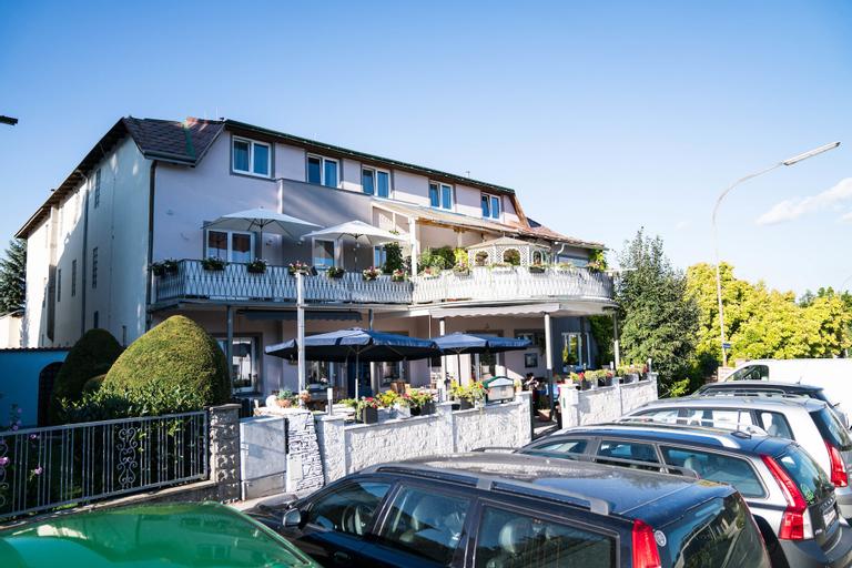 Pension & Restaurant La Amalia, Mattersburg