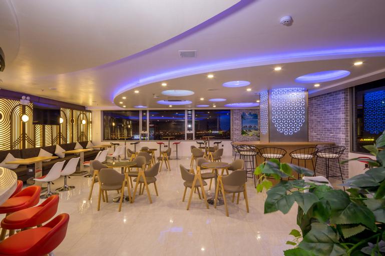 Grand Jeep Hotel Danang, Sơn Trà
