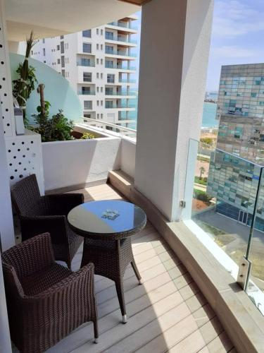 Apartment with one bedroom in Casablanca with wonderful sea view enclosed garden and WiFi 2 km from , Casablanca