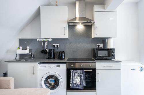 Securematics Superior Studio Apartments, London