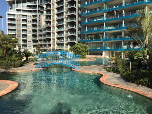 Apartment in Ocean Village - Rock view and pools, Gibraltar