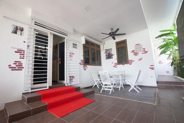 Natol Villa - London, Kuching