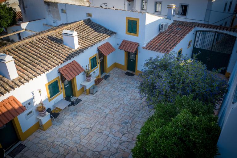 Vitória House, Évora