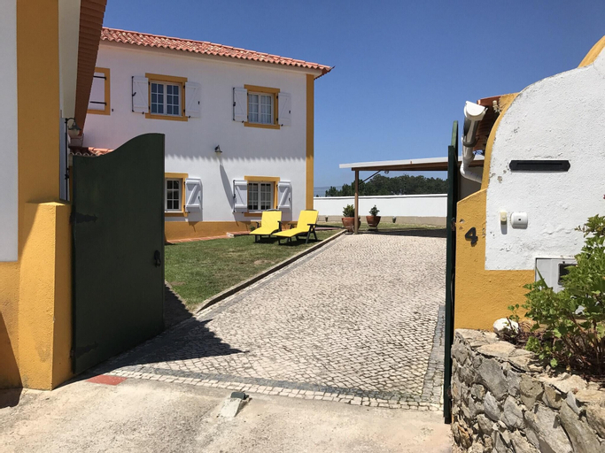 House With 4 Bedrooms in Ericeira, With Wonderful sea View, Enclosed G, Mafra