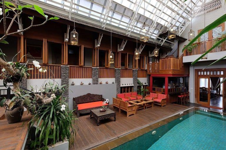 Rumah Stroberi Organic Farm and Lodge, Bandung