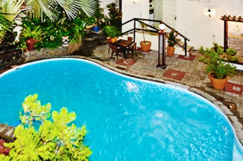 Studio in Pereybere, With Pool Access, Furnished Terrace and Wifi - 1,