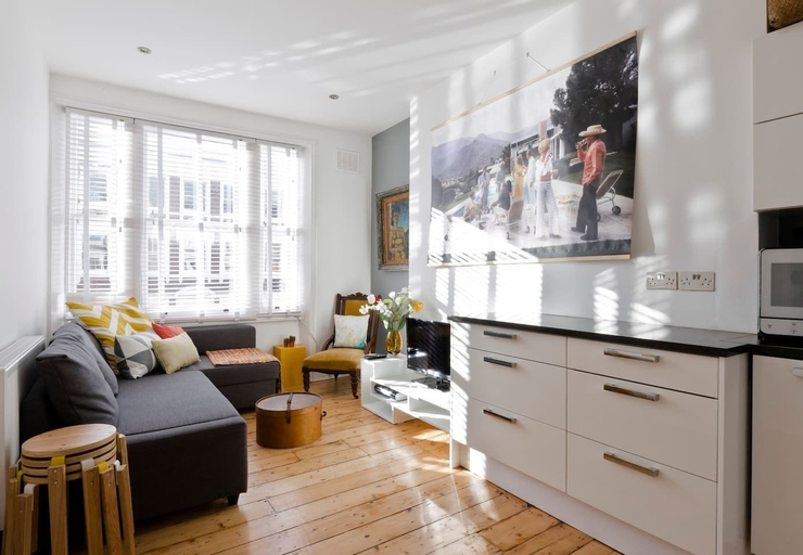 Modern 2bed in Brook Green/ Olympia, London