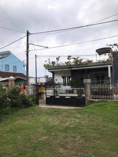Mahdaniyah Villa, Malang