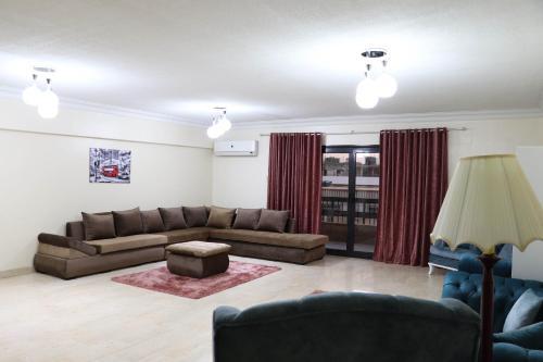 New Maadi Luxurious Apartment - Cairo, Al-Basatin